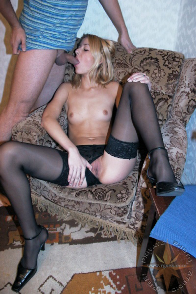 Любовница в чулках сосёт член порно фото бесплатно
