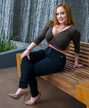Summer Heart - Perfect redhead MILF pornstar (2019/FullHD)