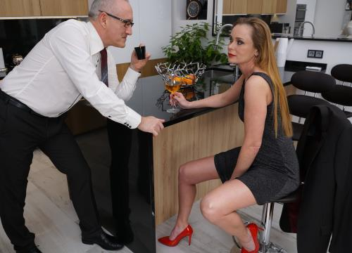 Nika - Horny housewife Nika fucking and sucking in her kitchen (2019/FullHD)