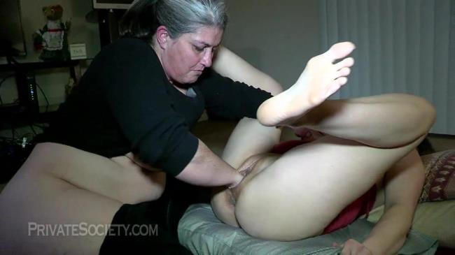 Two Mamas Getting Down - Amateur