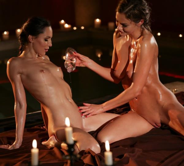 Tina Kay, Lilu Moon - When Two Women Love Each Other [FullHD 1080p] (1.43 Gb) Lezcuties.com/21Sextury.com