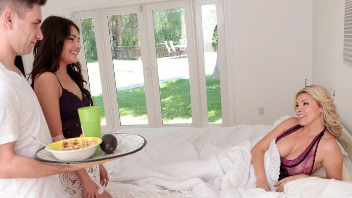 Familystrokes: Adria Rae, Danica Dillon - Mothers Day Was His Only Explain! [FullHD 1080p] (2.78 Gb)