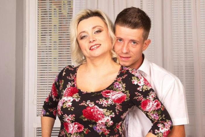 Mature.nl: Sindy - mat-bustyhard84 [HD 720p] (Mature)