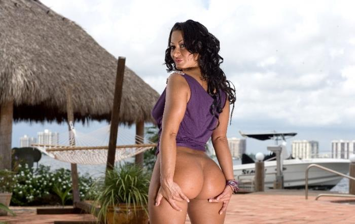 BangBros - Sandra Romain [Sandra Romain is on Fire!] (SD 480p)