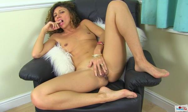 OlderWomanFun.com - French Chloe [Older Woman Fun 7] (HD 720p)