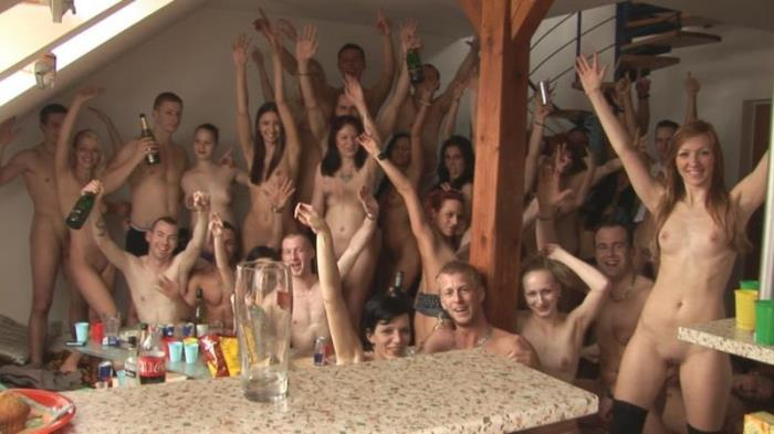 Amateurs - CZECH HOME ORGY 7 - PART 1 [HD 720p] (683.83 Mb) Czechav