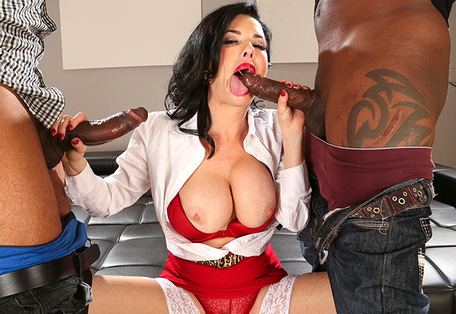 Veronica Avluv: Realtor Gets Double Penetration From Monstrous Cocks (FullHD / 1080p / 2019) [BangBros]