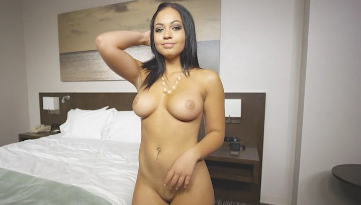 E292: 18 Years Old (SD / 576p / 2019) [GirlsDoPorn]