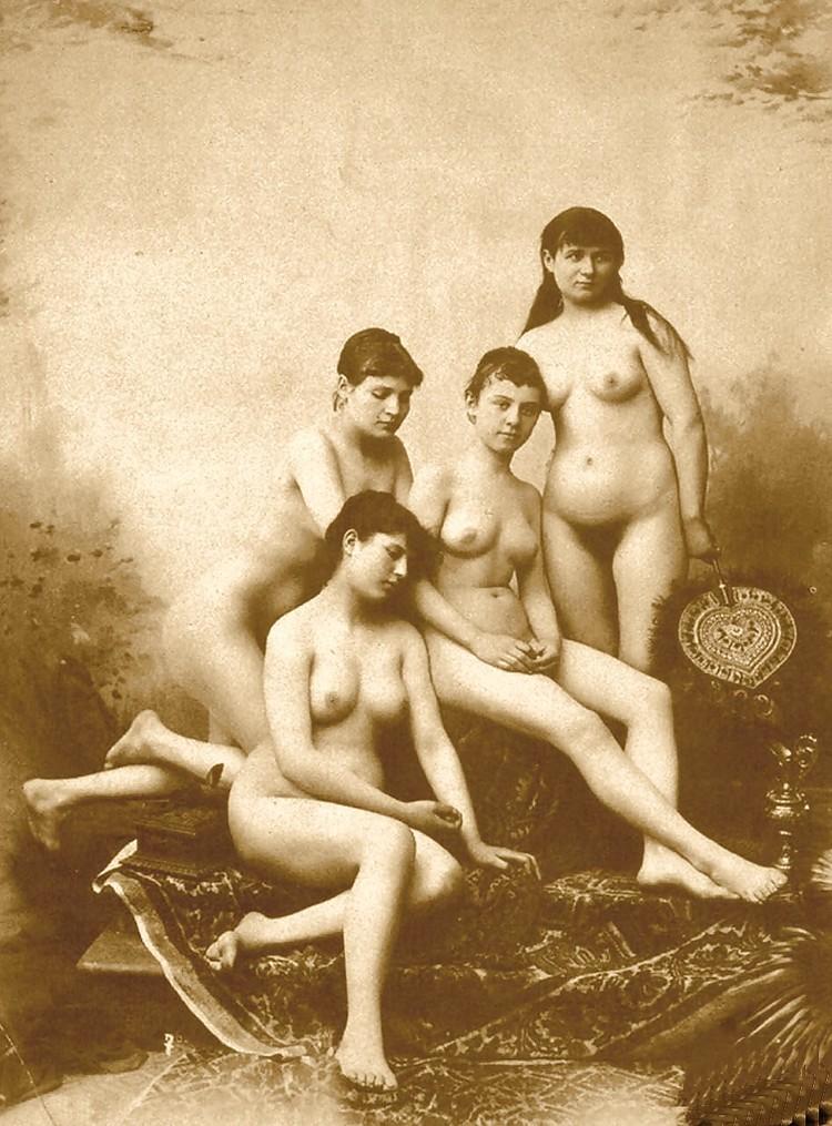 Первые Обнаженные Фото