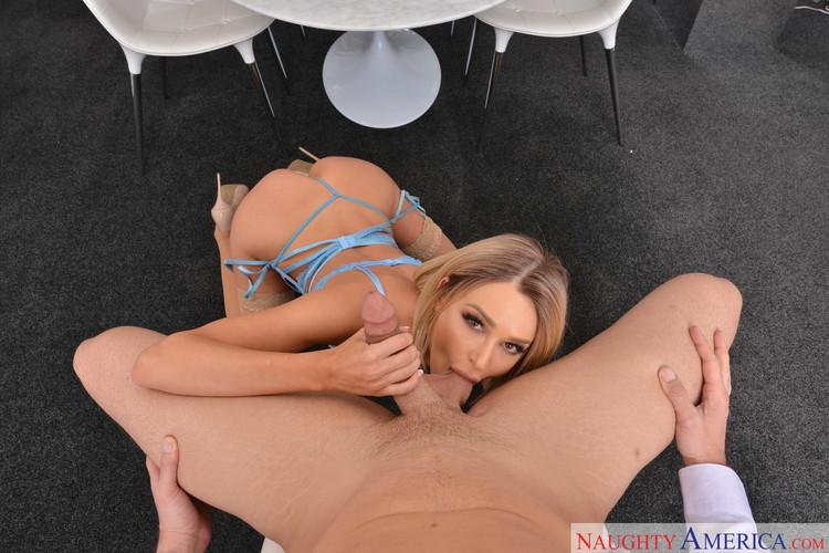 Emma Hix disfruta las vergas grandes