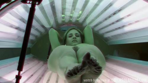 [Image: hidden_cam_hairy_pussy_in_solarium_720p.....11__m.jpg]