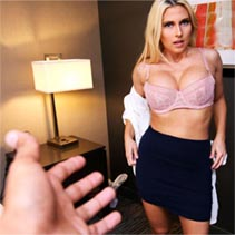 Christie Stevens-Mom Makes Me Cum-S9:E6