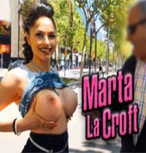 Marta La Croft-Puntúa Mis Tetas