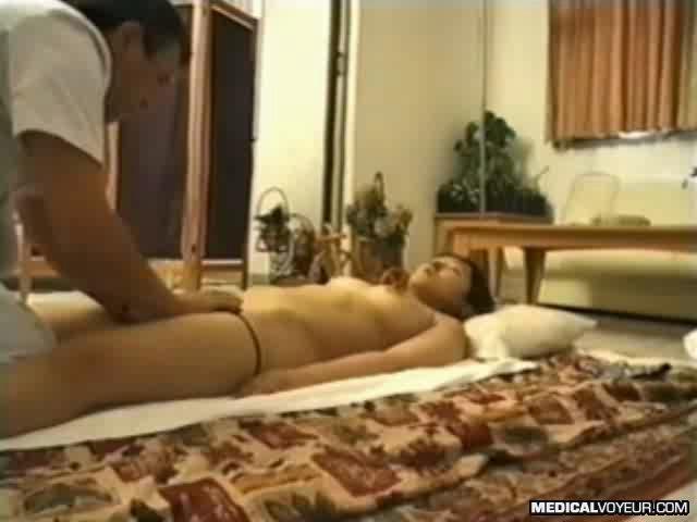 Подглядывание в кабинете массажиста, секси аэробика в белье