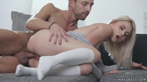 Half Naked – Lutro, Scarlett Knight