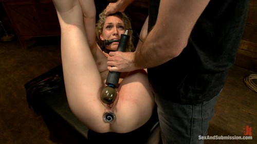 Lily LaBeau (Natural Born Submissive)