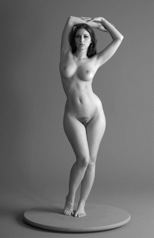 Naked figure models