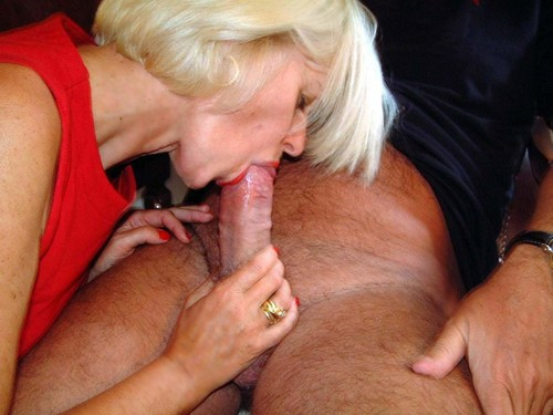 blonde_Milf_that_every_man_should_have_2mature14145_m.jpg