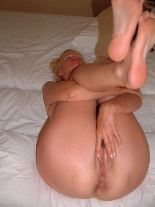 blonde_Milf_that_every_man_should_have_2mature14149_m.jpg