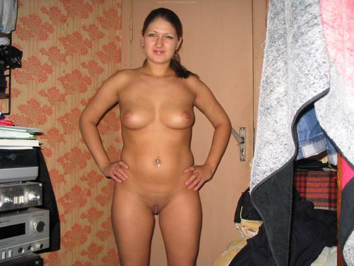 Показать красивых голых жен на фото дома классической позе смотреть