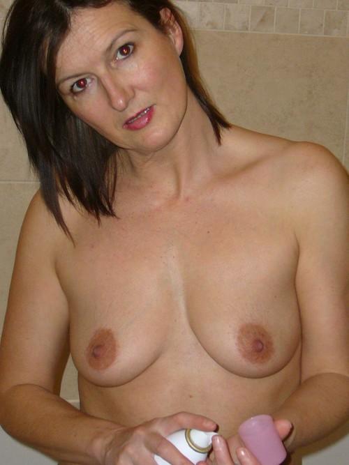 bathroom_483955394939543948394739523987_m.jpg