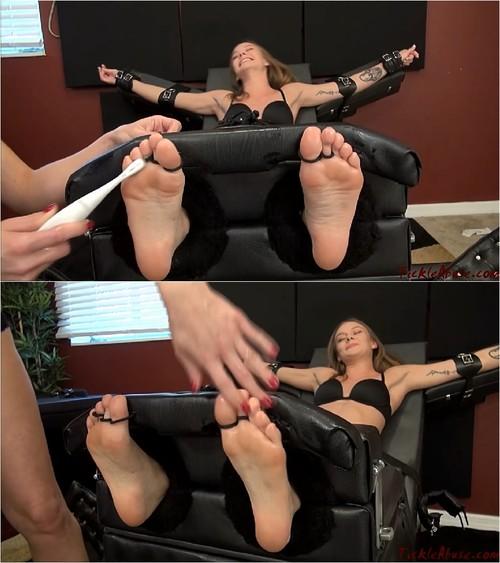 Free tickling fetish clips