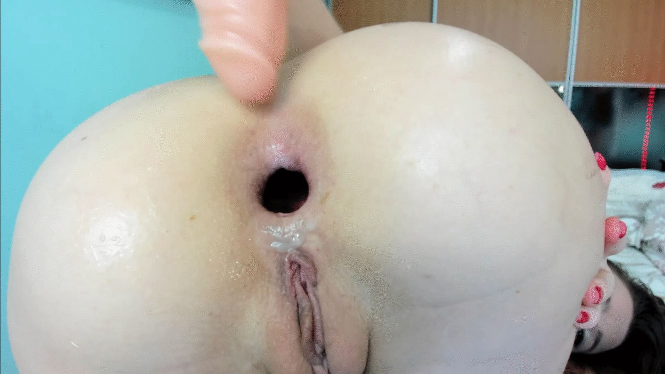 DirtyLena - Farting, nice sounds, Gape and push out assholea