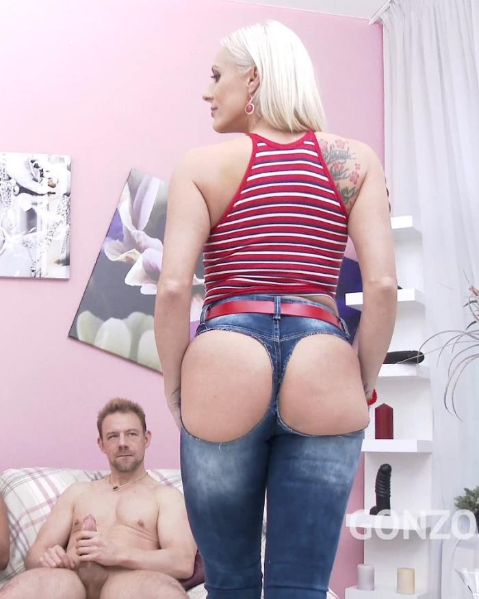 DAP Porn with Brittany Bardot - Takes no toys only big cocks DP DVP DAP & double pussy creampie SZ1926 [mp4 | SD | 480p | 1.05 Gb | LegalPorno]
