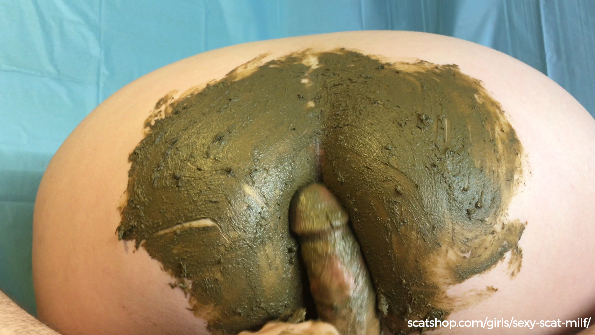 Sexy Scat Milf - New Years Gift. Pee & Poo Smearing on My Ass