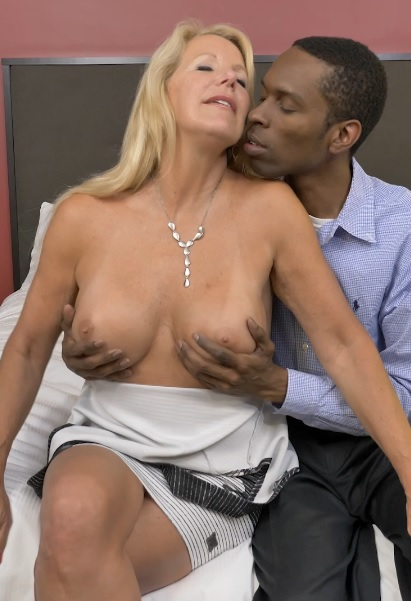 Canadian temptress goes interracial
