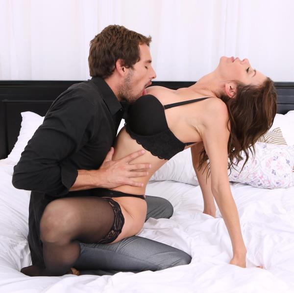 DDFNetwork.com Anal Sex with Alexis Fawx - Orange County Cougar Action  [SD 360p]