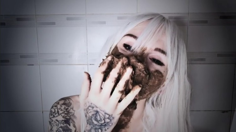SweetBettyParlour - This is scat porn?