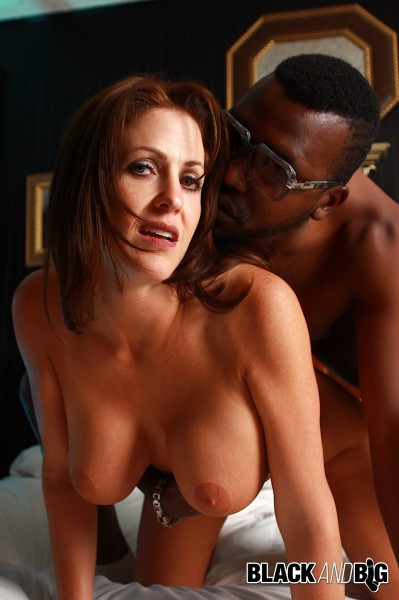 Interracial Sex with Taylor Ann - Milf Takes Black Cock [SD 480p] BlackAndBig.com - (353.17 Mb)