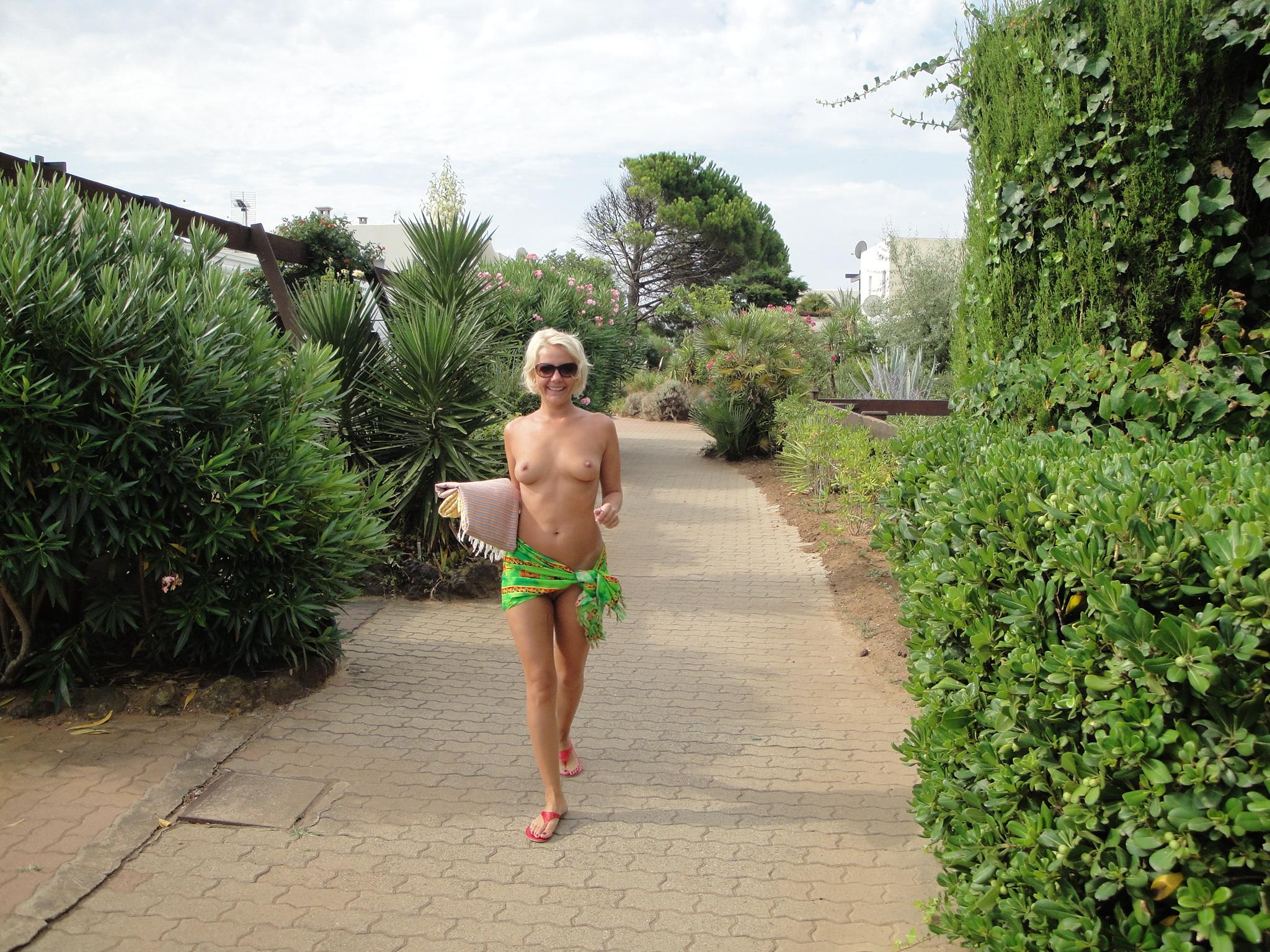 Измена русских жен на отдыхе потянулся