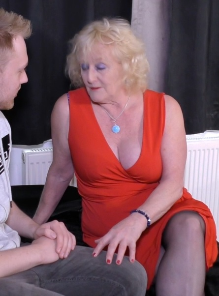 english lady claire knight banged by young guy