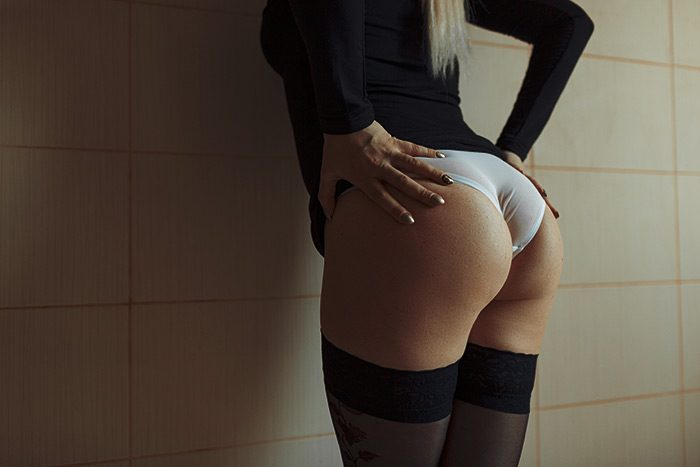 SexyAss - OMG! I poop in my white panties