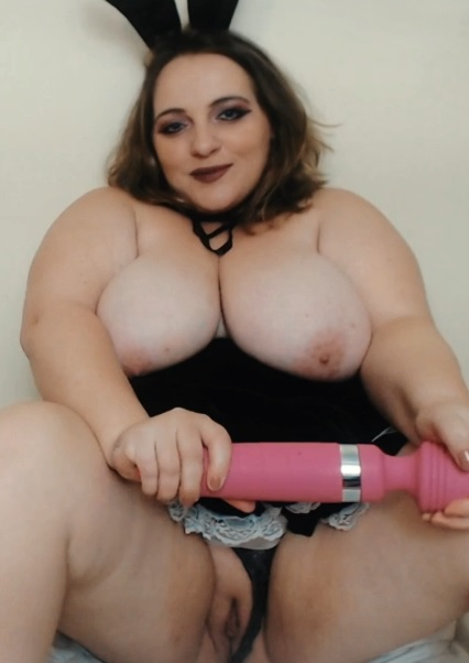 Squirting BBW Bunny