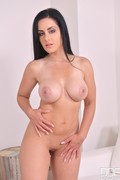 Alex_Black_-_Naked_Newbie_Shows_Big_Boobs_In_Juicy_Casting_Video_771cas040_0.jpg