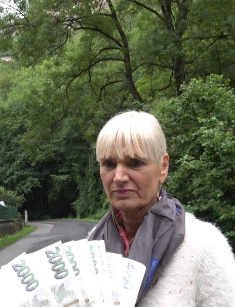 Daniela in Tour-guide from Karlstejn