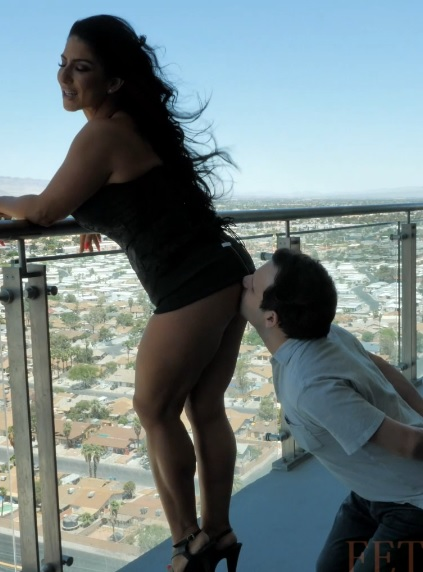 Lick Me While I Enjoy the View
