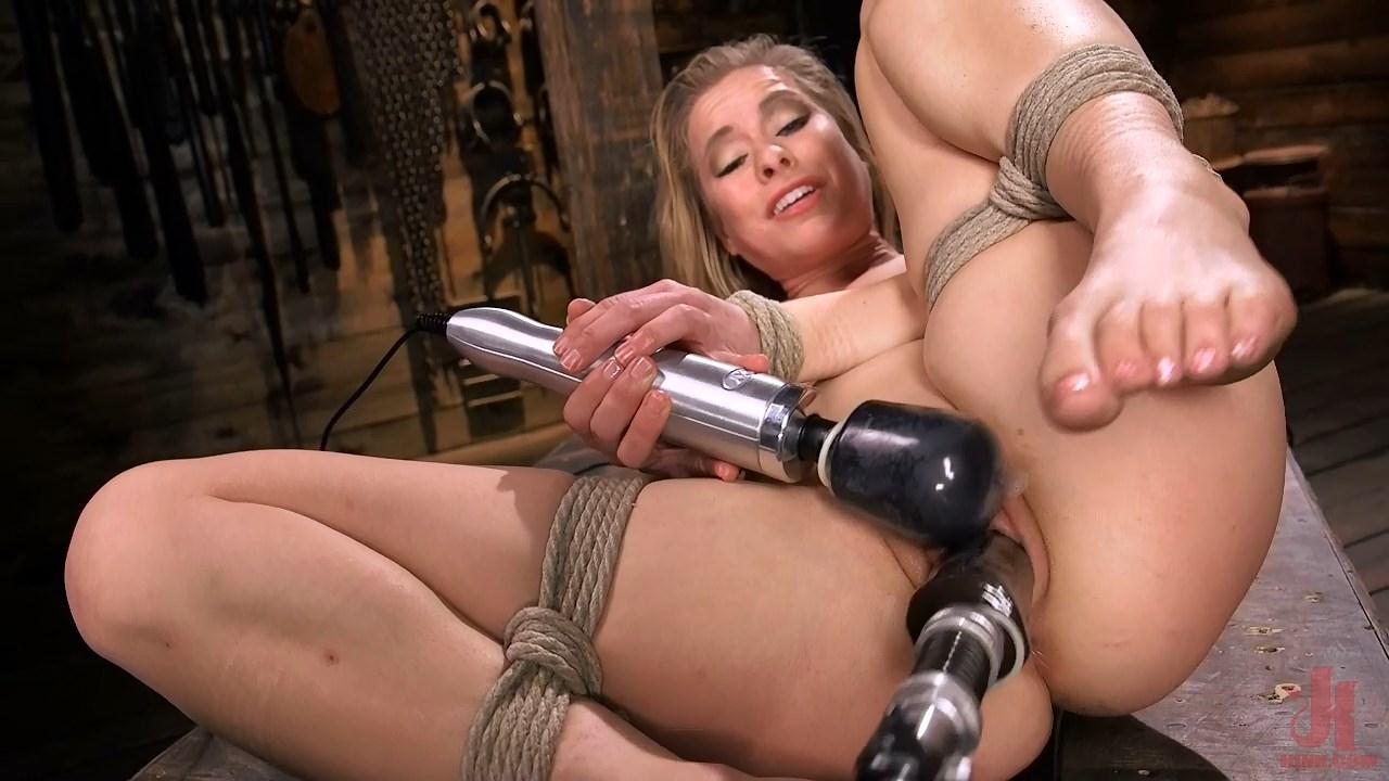 conservative-women-machine-dildo-bondage