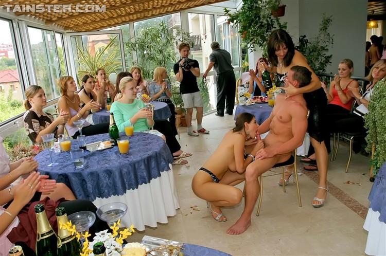 Порно спектакль с вечеринки свадьбы онлайн, упругие задницы америки в трусиках фото