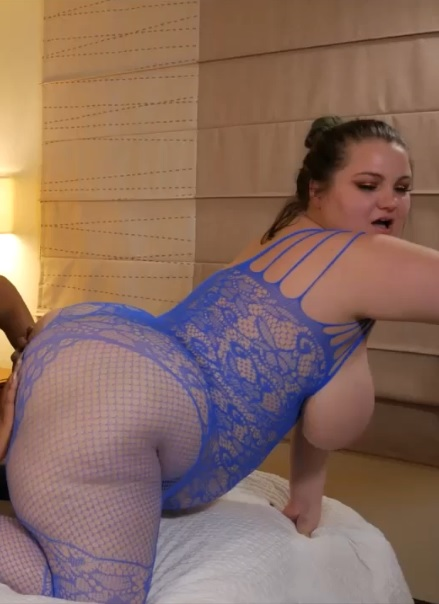 BellaBendz in Ass eating & pussy licking BBW style