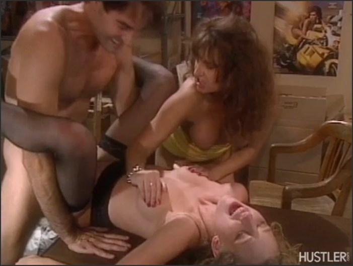 ashlyn-gere-double-penetration-smoking-women-are-sexy