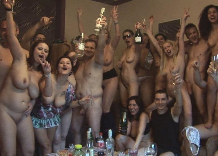 Amateur - Full Sex Orgy [HD/720p/1.99 Gb] CzechHomeOrgy