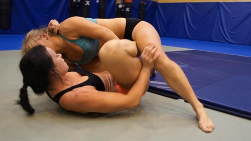 Submission Wrestling - Lara vs Alkaia