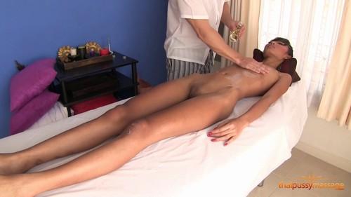 Pussy Massage. Skinny Thai girl.