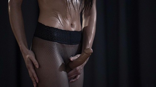 Oiled_Strapon_Sex_in_Fishnets00020_m.jpg