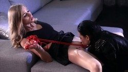 Scarlett_is_Addicted_to_Strapon_Sex_with_Mia.mp4_snapshot_04.05.917_s.jpg