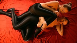 Sex_In_Silky_Black_Pantyhose00070_s.jpg